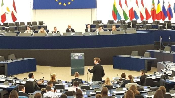 ma. 20/2 > Onderwijsdebat Revius debatteam en Tweede Kamerleden